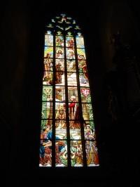 Chrám Sv. Barbory - okna jsou malovaná na skle