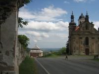 Kostel Nejsvětější Trojice a fara