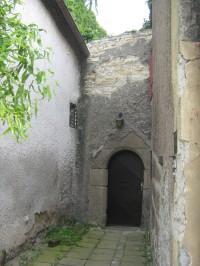 vchod do zahrady - původní portál
