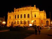 Noční pohled na Rudolfinum