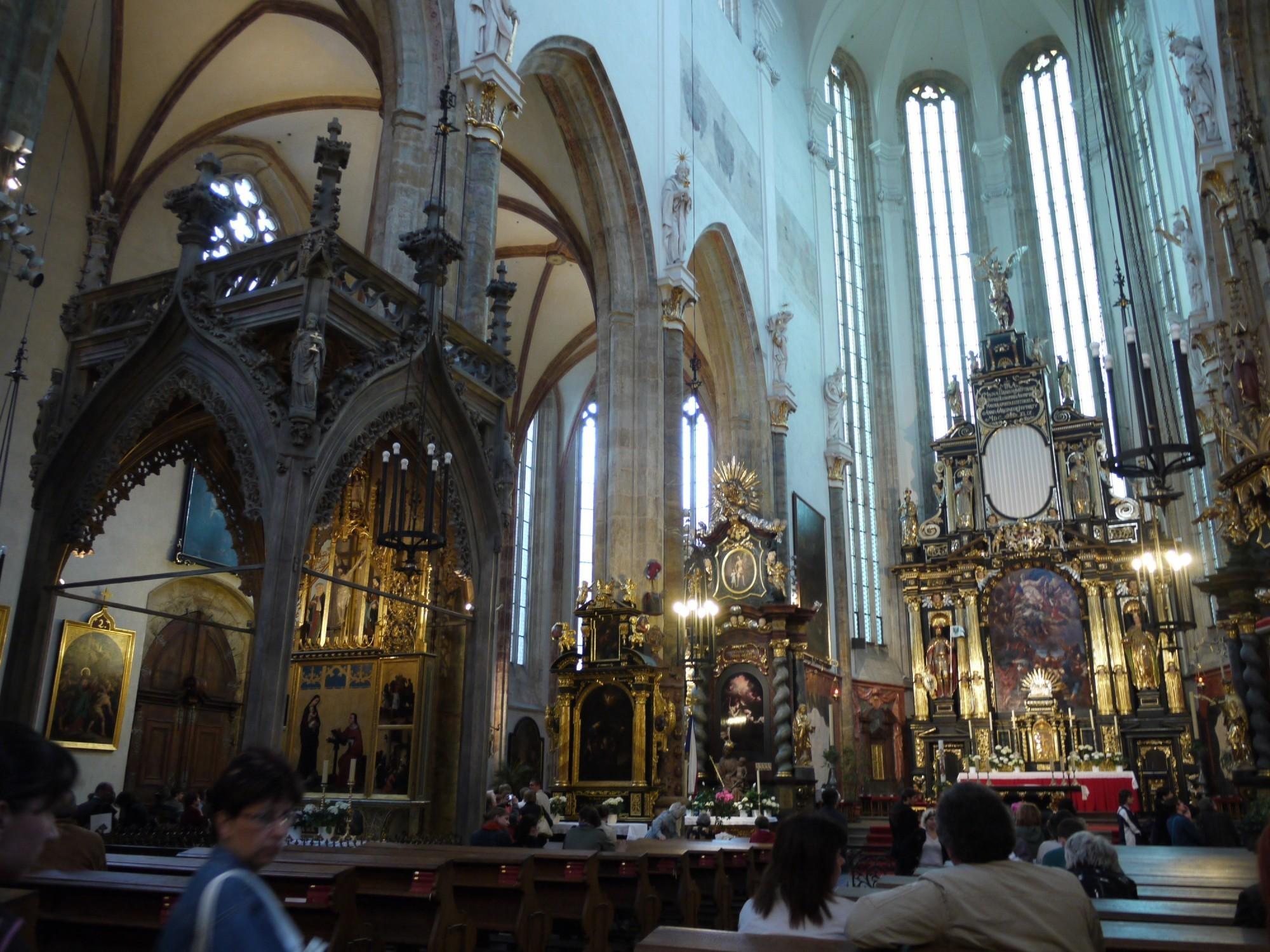 Santa maria di tyn la chiesa pi misteriosa di praga for Interno naso
