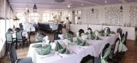 Restaurace s výhledem na soutok Labe a Vltavy