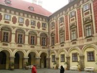 nádvoří zámku Libochovice