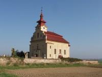 kostel sv. Bartoloměje v létě