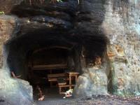 Murdloch - jeskyňka