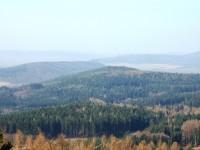 pohled z Vraní skály na Točník