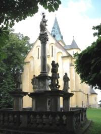 barokní mariánský sloup z.r. 1700 v Zásmukách