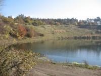 opuštěný lom za obcí Kojetice