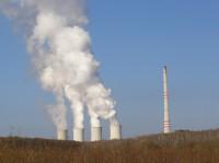 komíny elektrárny Chvaletice