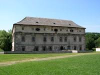 nepřístupný zámek ve Stvolínkách