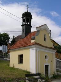 kaplička se zvoničkou v Sebuzíně
