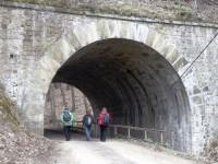 Tunel pod železnicí