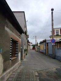 5.Jedna z ulic v Újezdečku