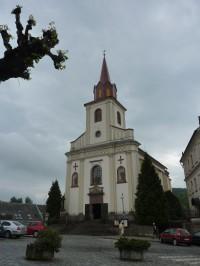 kostel v Nové Pace
