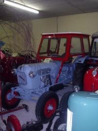 najde se tu i traktor