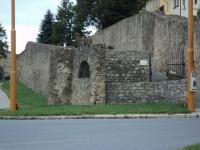 Vchod na parkán hradeb.