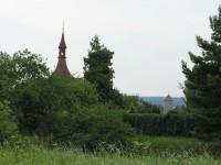stará vodárenská věž a hřbitovní kostel svatého Martina