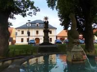 Kašna na náměstí v Brumově
