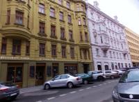 Do čertovské restaurace U Třech čertů v centru Brna