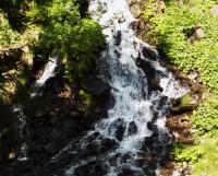 Atrakce v Karlově studánce - umělý vodopád