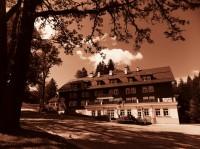 Legendární hotel Hubertus v Karlové Studánce