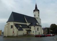 Kostel sv. Mikuláše - dominanta Slezského náměstí v Bílovci
