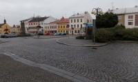 Přes Slezské náměstí v Bílovci