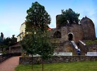 prostory zdejší zahrady u hradu