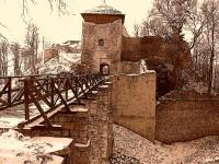 hradní zřícenina - Lukov