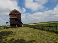 Dřevěný mlýn v obci Rymice