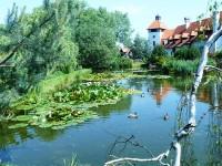 Červený Újezd, hradní zahrada
