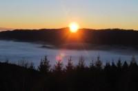 Zimní východ slunce z rozhledny