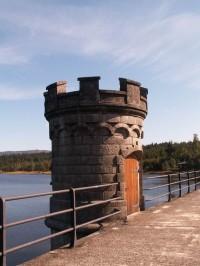 Hráz přehrady Bedřichov