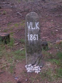 Pomník posledního vlka, zastřeleného zde v roce 1861