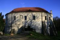 Zámek (a muzeum) v Roztokách u Prahy
