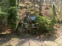Těsnohlídkův pomník