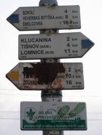 Rozcestí na nádražíčku v Hradčanech