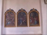 Kostel Jména Panny Marie ve Křtinách: 1. část křížové cesty v ambitu kostela.