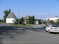 Kaple ve středu obce