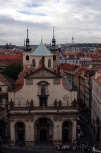 Pohled z Mostecké věže do Karlovy ulice: Kostel sv. Salvátora