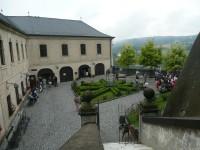 Nádvoří hradu Český Šternberk