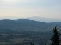 Slepičí hory z Kraví hory (v pozadí Kleť)