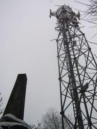 Obelisk a vysílač (historie a současnost
