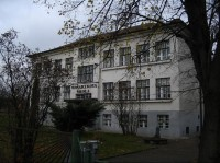 Karpentná: Místní základní škola