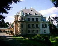 Vysoké nad Jizerou - hotel Větrov: Bývalá vila Dr. Karla Kramáře, dnes hotel Větrov