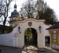 Benátky - zámecká brána
