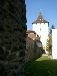 Jihovýchodní hradby: Jižně od Pražské brány. Horní (Plzeňská) brána i Dolní (Pražská) brána byly postaveny jednou stavební hutí, což je u nás zcela unikátní.