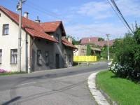 rozcestí ve  Slavoňově