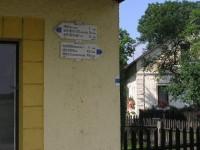 Rozcestí v obci Blažkov
