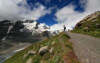 Rakousko - Pasterze ledovec a hora Grossglockner